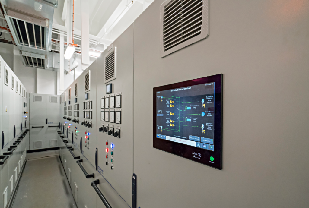 Generators operated with renewable energies cause instabilities: D&A's vision is, that battery storage systems are used to stabilize the supply network on board.