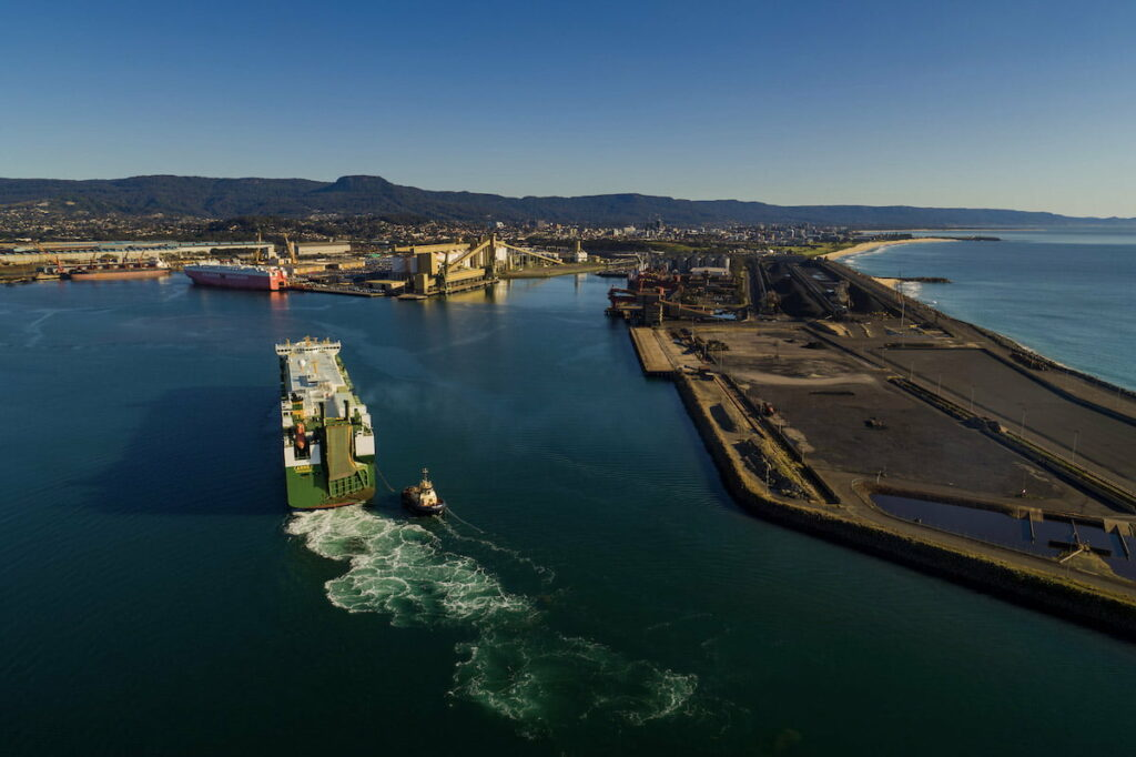 Squadron takes full control of Port Kembla LNG project