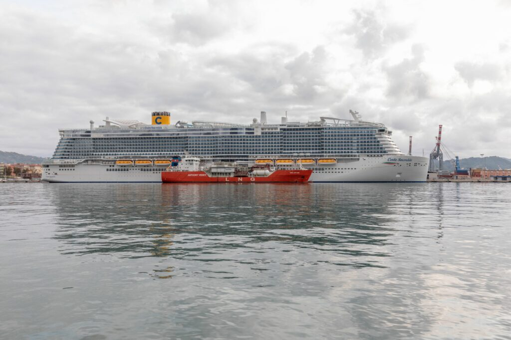 Costa Cruises in Italy's first LNG bunkering operation