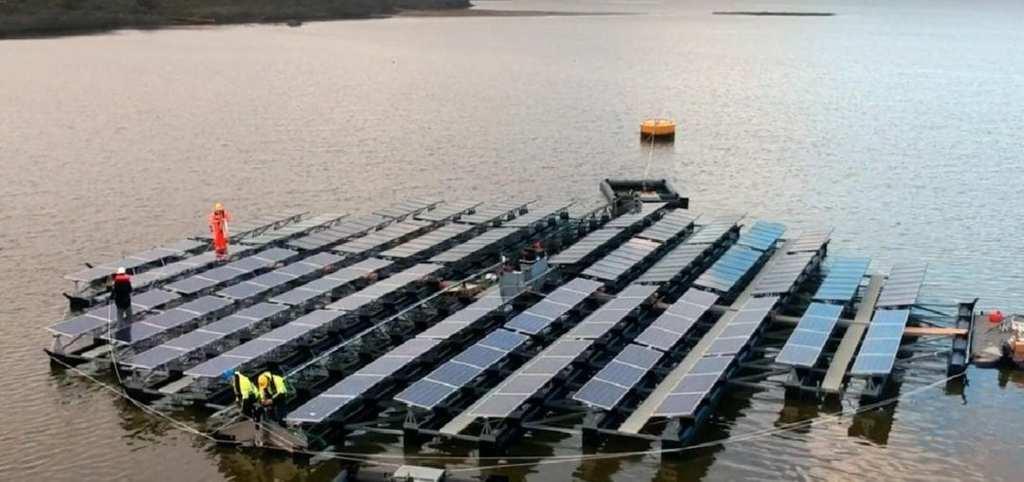 A photo of Floating Solar's floating solar island on the Slufter (Courtesy of Floating Solar)