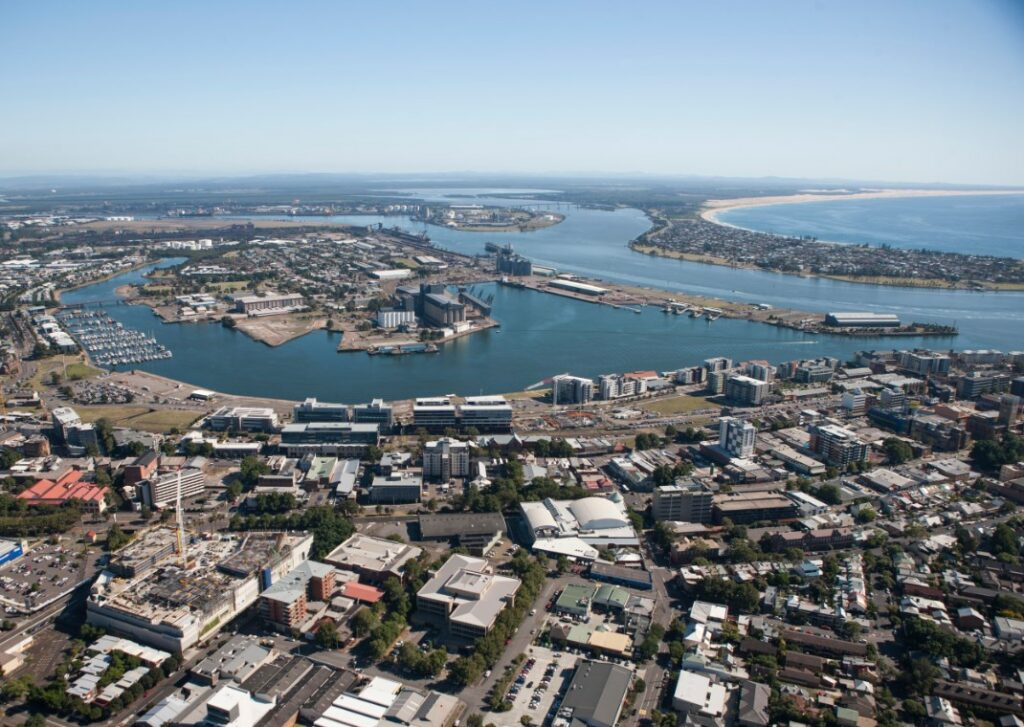 EPIK adds bunkering services to proposed Newcastle GasDock LNG project