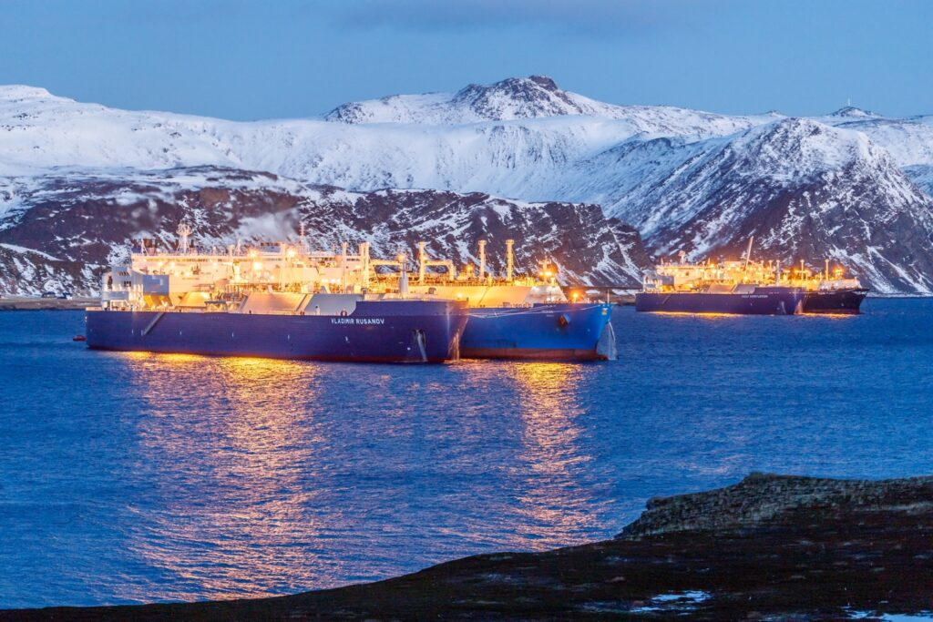 Novatek begins LNG STS ops in Murmansk