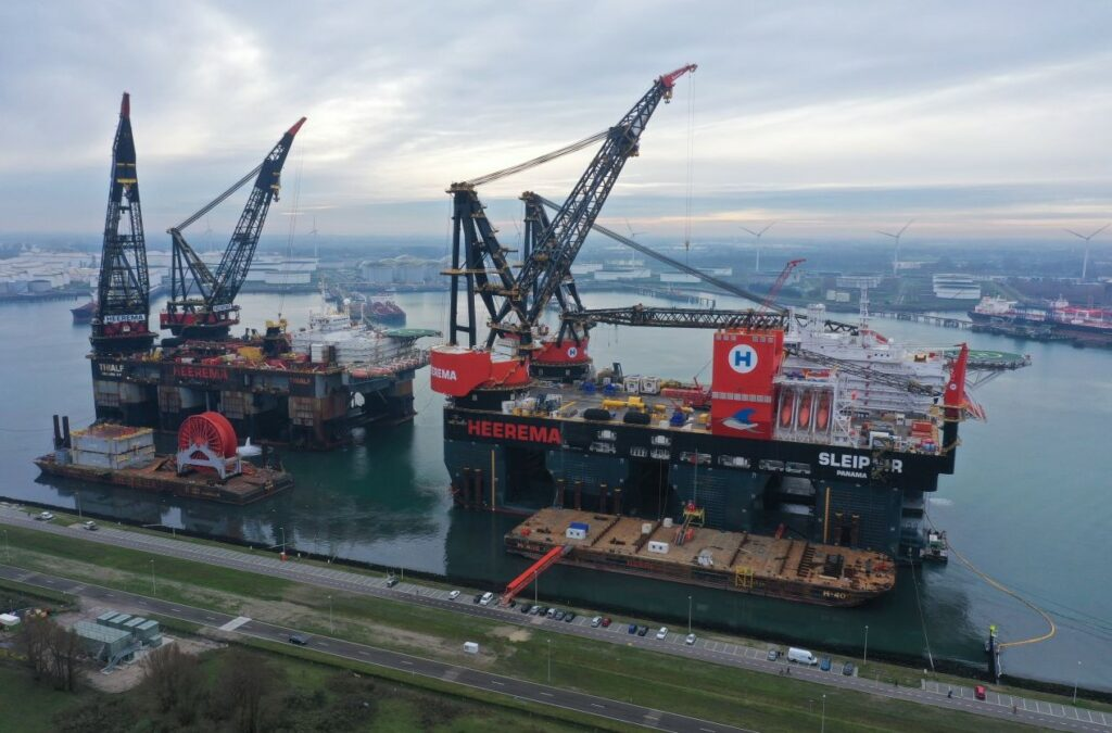 Thialf (L) and Sleipnir (R); Source: Heerema