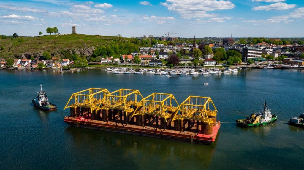 Snorre Expansion templates sail away from Tønsberg - Equinor