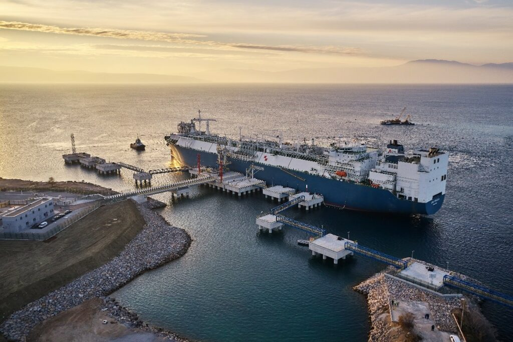 First LNG cargo heading to Croatia