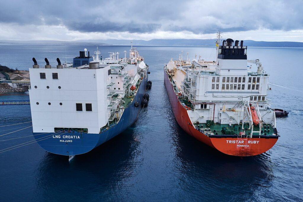 Tristar Ruby docking at the FSRU LNG Croatia
