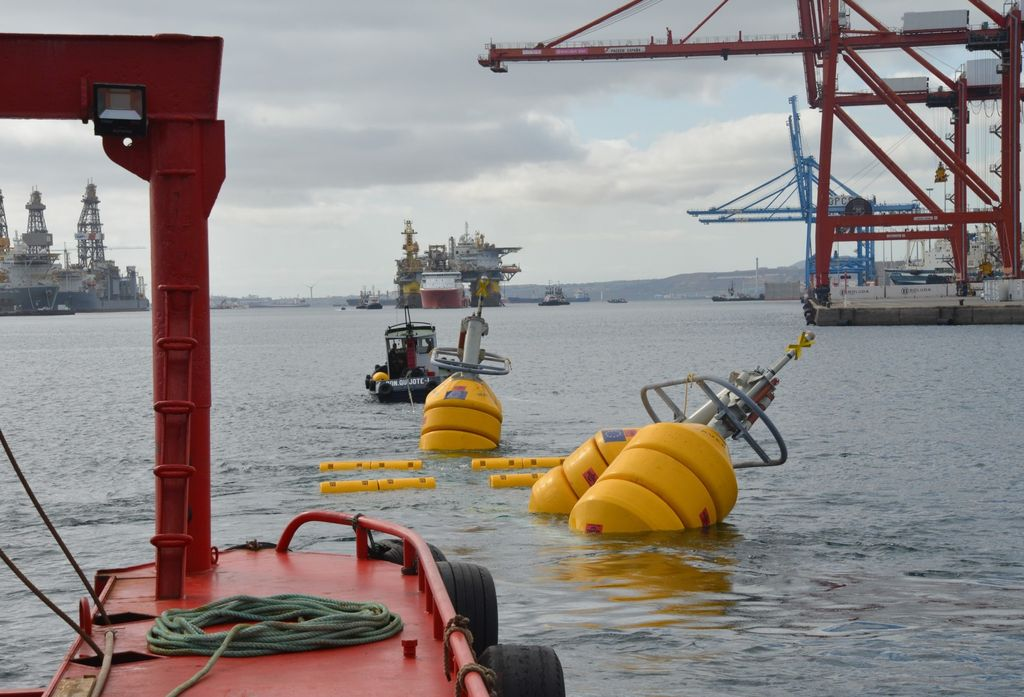 Wavepiston test string being deployed at PLOCAN (Courtesy of Michael Henriksen/Wavepiston)