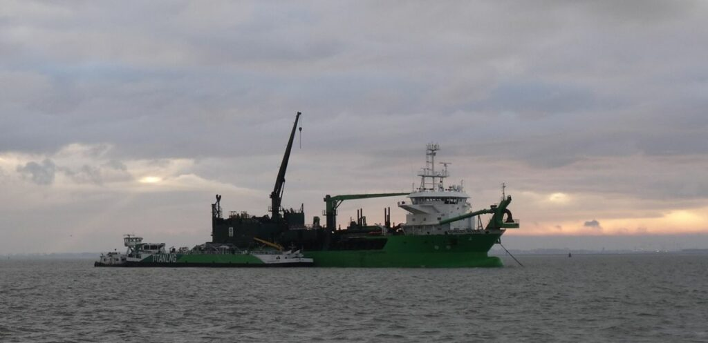 Titan LNG operates bunker supply on the Western Scheldt