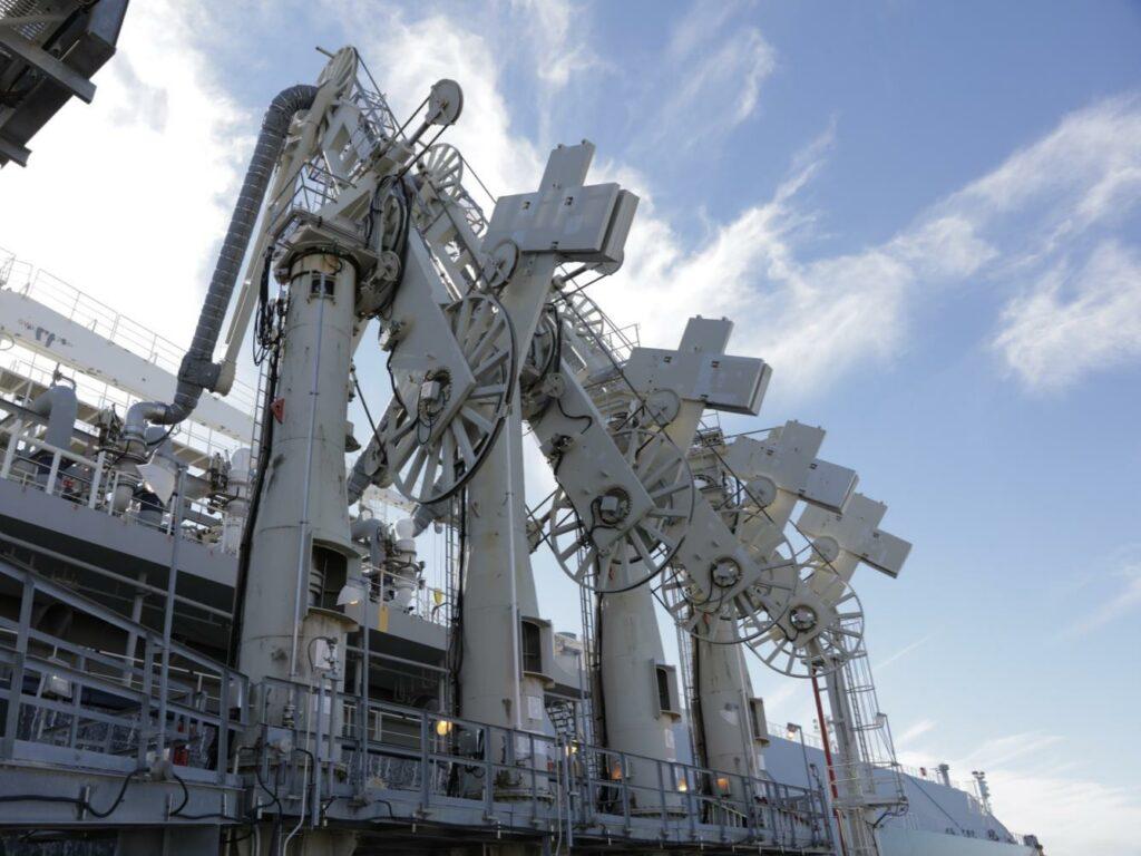 U.S. LNG exports, average prices climb in November