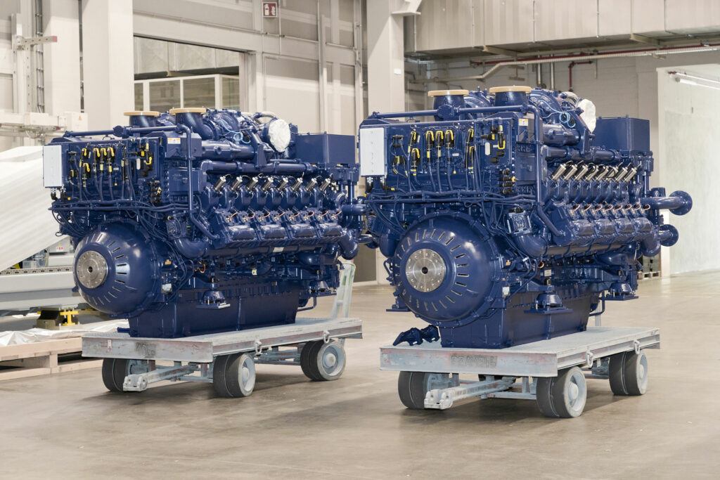 Rolls-Royce engines picked for world's first LNG-hybrid tug