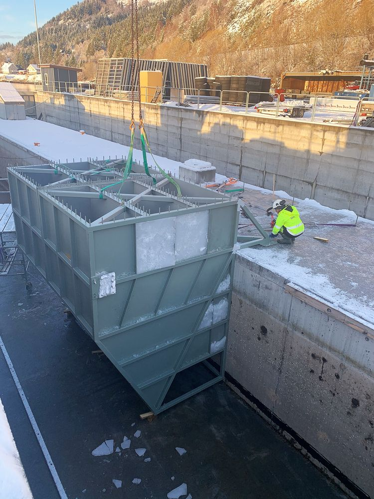 The installation of the tailored wave energy converter units at the dock of Ulstein Betong Marine at Haddal, Norway (Courtesy of Havkraft/Ulstein Betong Marine)