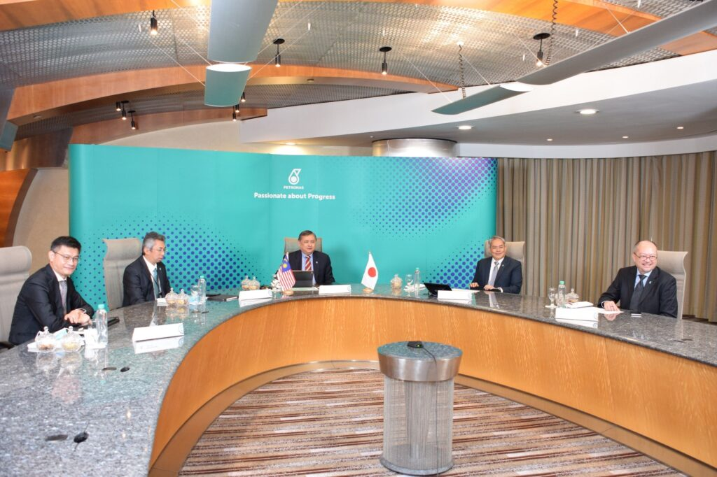 Petronas and Jera to produce LNG and hydrogen for power
