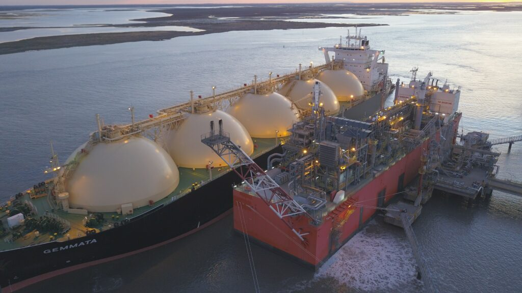 Sycar granted the approval for LNG trade in Ecuador
