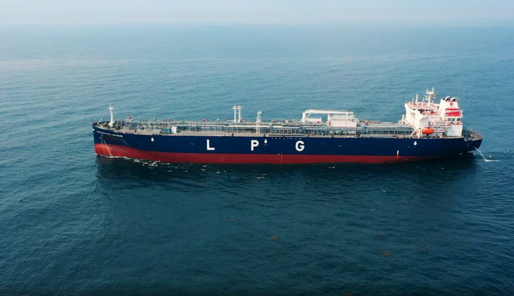 China Gas in LNG, LPG, hydrogen pact with Sinopec
