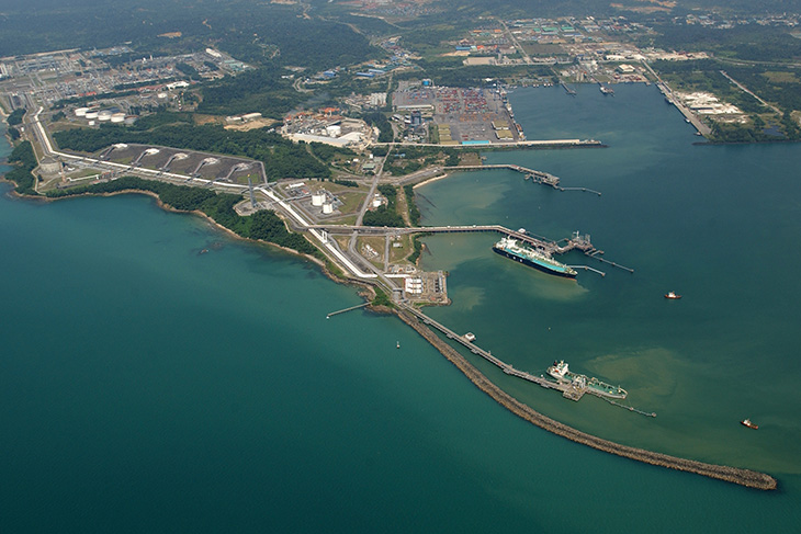 Sarawak Energy inks power supply deal for Petronas' LNG complex