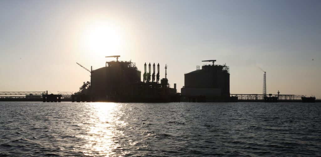Eni closes agreement with partners for restart of Damietta LNG