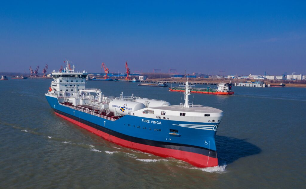 Repsol hits milestone with Fure Vinga LNG bunkering