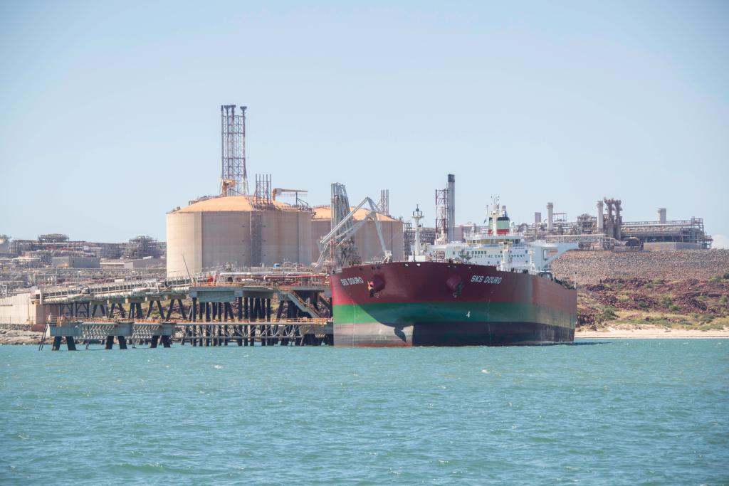 Woodside, Trafigura ship first carbon offset condensate cargo