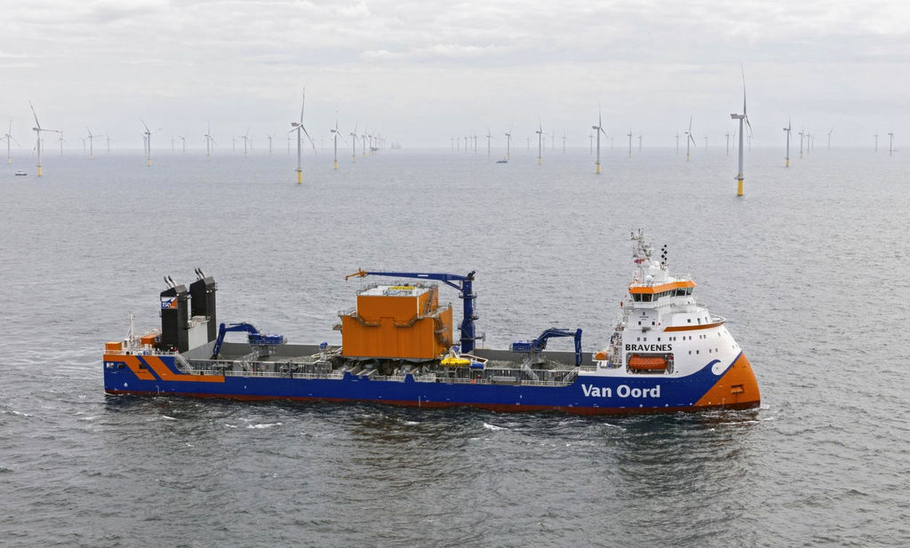 Photo of Van Oord's Bravenes vessel (Courtesy of Van Oord)