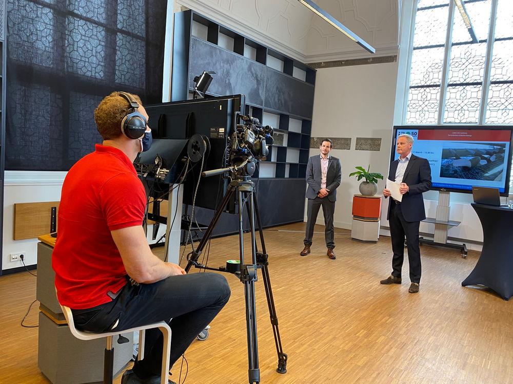 Photo of Benjamin Lehner and Tjerk Suurenbroek opening the webinar (Courtesy of DMEC)