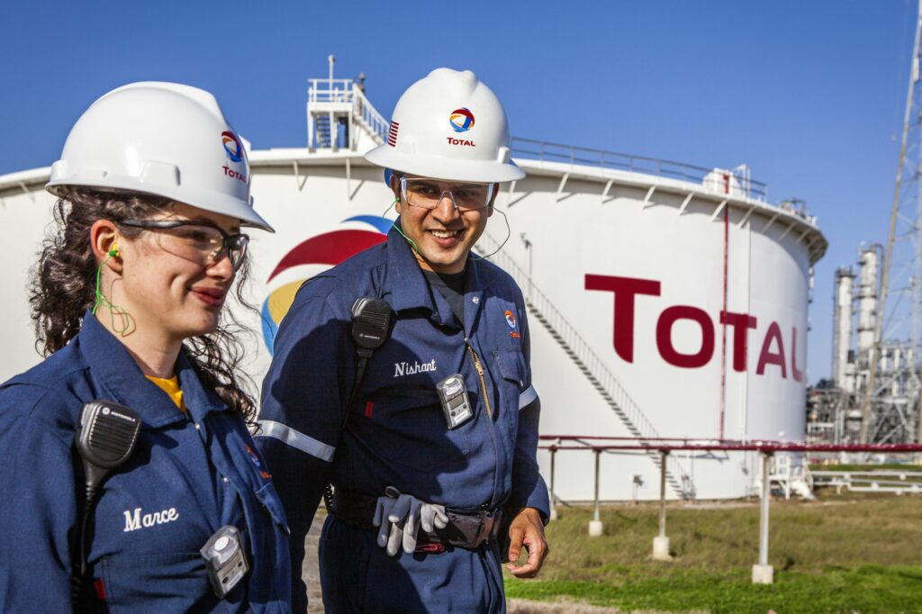 Total: shareholders' meeting on energy transition and carbon neutrality