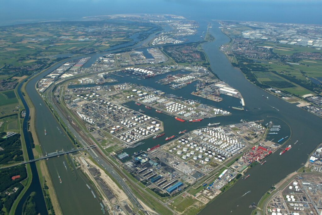 Port of Rotterdam step closer to becoming hydrogen hub