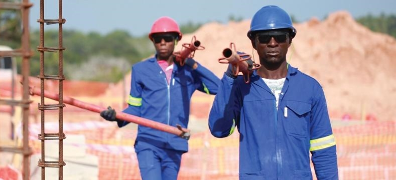 Total resumes Mozambique LNG work