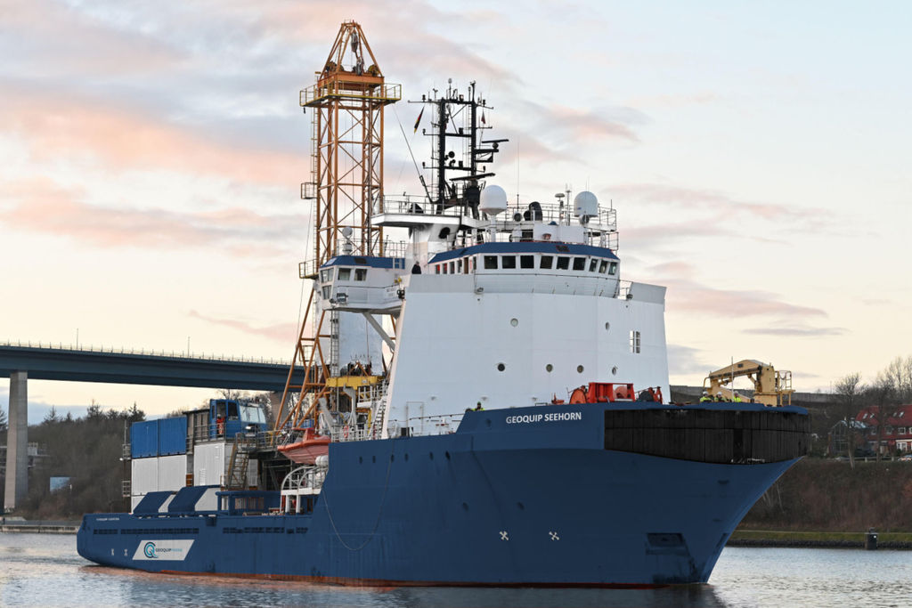 Photo of Geoquip Seehorn vessel (Courtesy of Geoquip Marine)