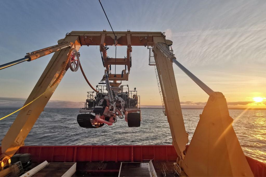 Photo of SeaRex trenching vehicle (Courtesy of SMD)
