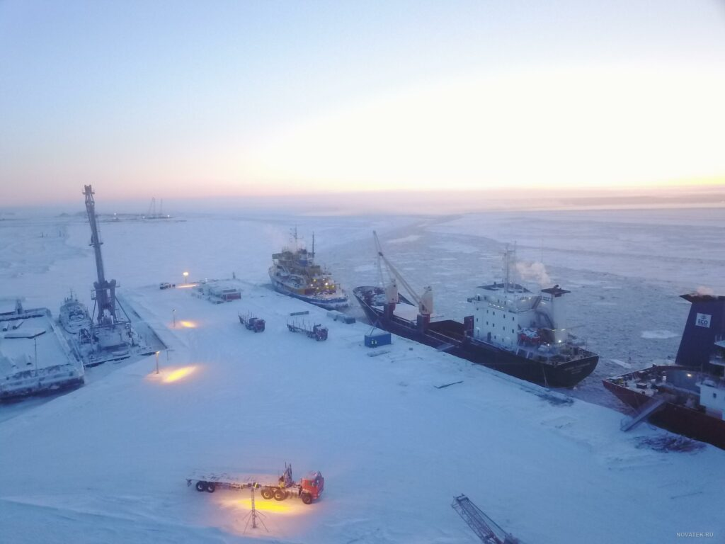 Novatek to offer 60% stake in Arctic LNG 2