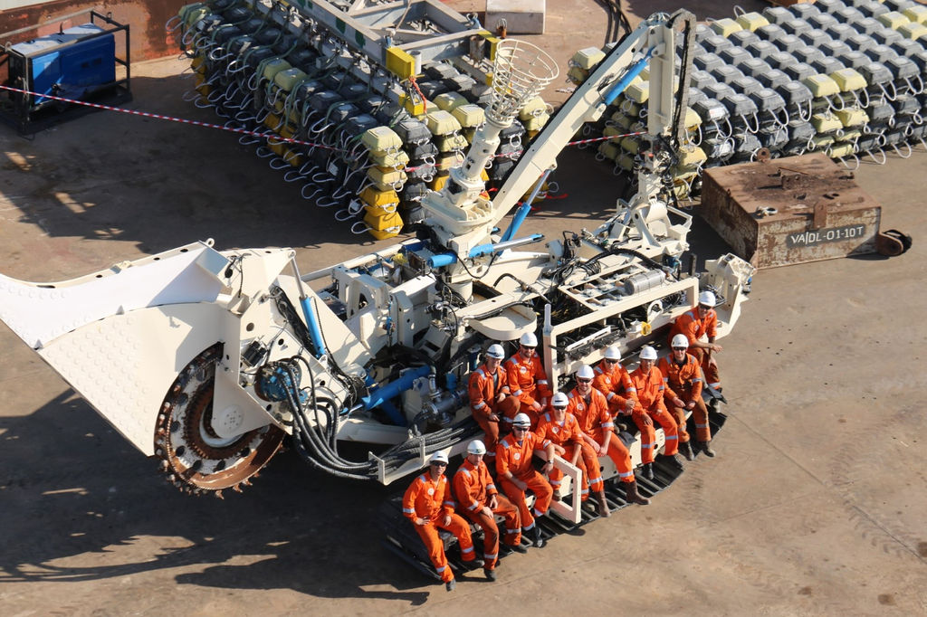 Photo of Enshore Subsea's T1 trenching asset, Middle East 2018 (Courtesy of Al Gihaz Holding)