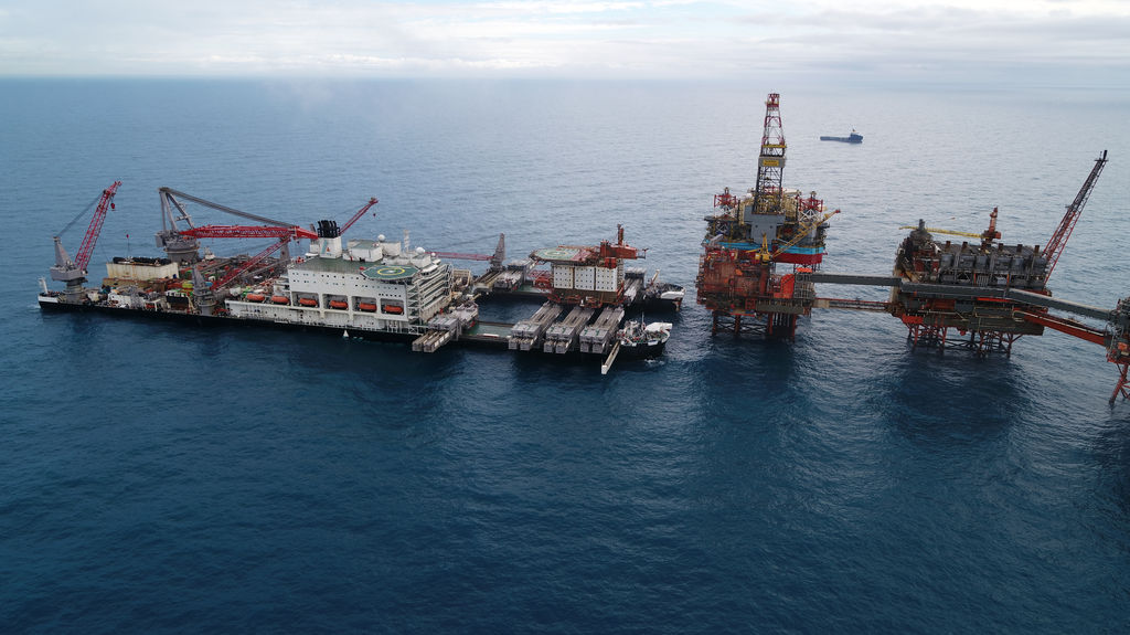 Photo showing Pioneering Spirit removing Valhall QP in 2019 (Courtesy of Aker BP)