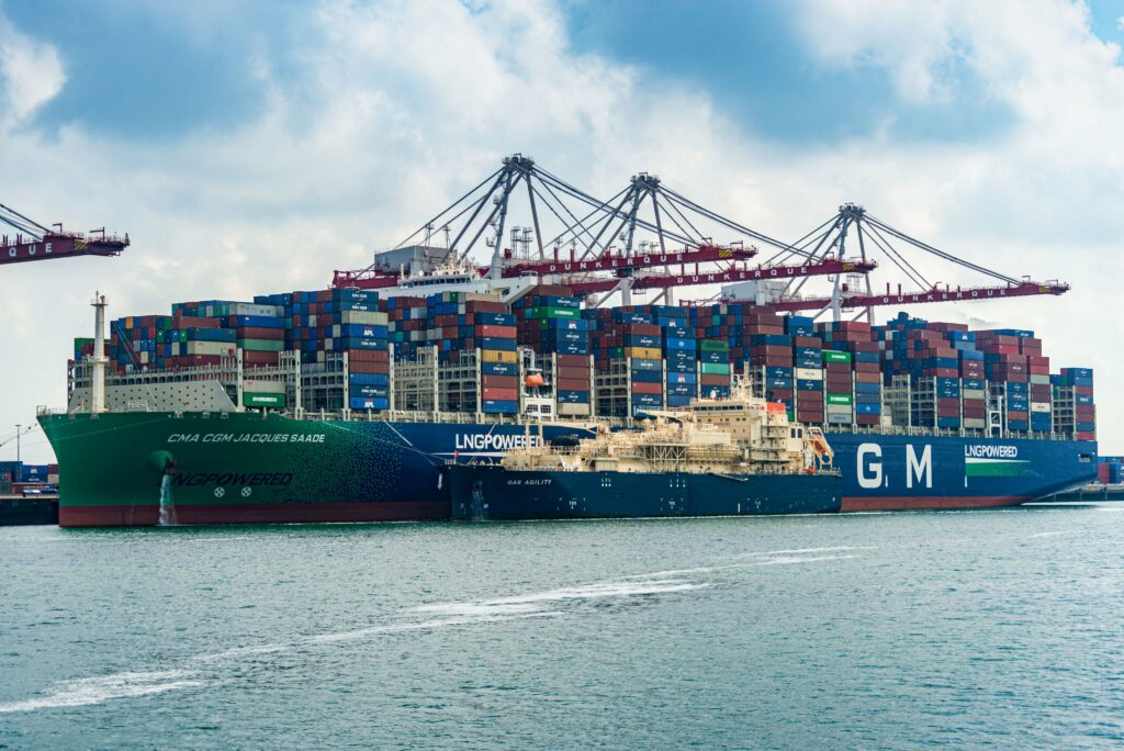 Total wrap's up France's 1st ship-to-containership LNG bunkering
