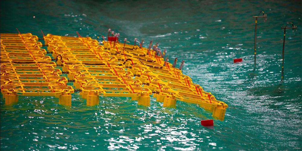Photo showing floating solar power plant model tested by Sintef Ocean (Courtesy of SINTEF)