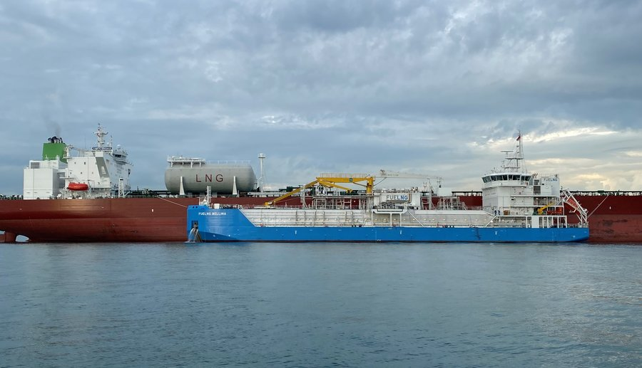 FueLNG wraps up Singapore's first oil tanker LNG bunkering