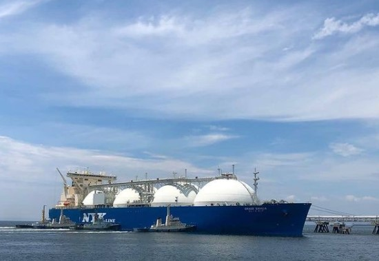 DNV approves NYK's LNG, oil tankers cargo sim