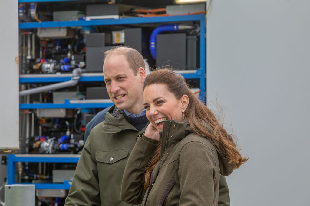 Photo showing the Duke and Duchess at EMEC hydrogen fuel cell (Courtesy of EMEC/Photo by Colin Keldie)