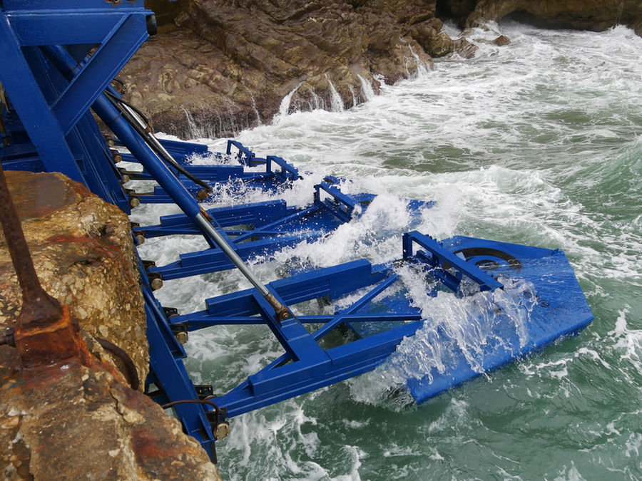 Photo showing Eco Wave Power Global's wave energy technology (Courtesy of Eco Wave Power Global)