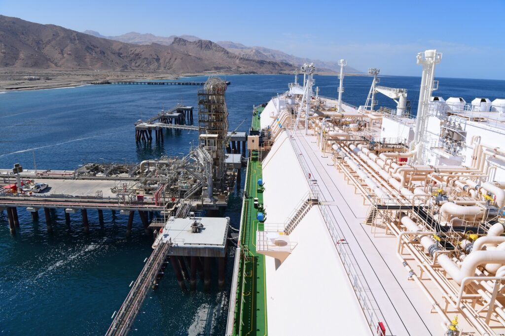 Oman LNG and Shell join in on carbon-neutral LNG