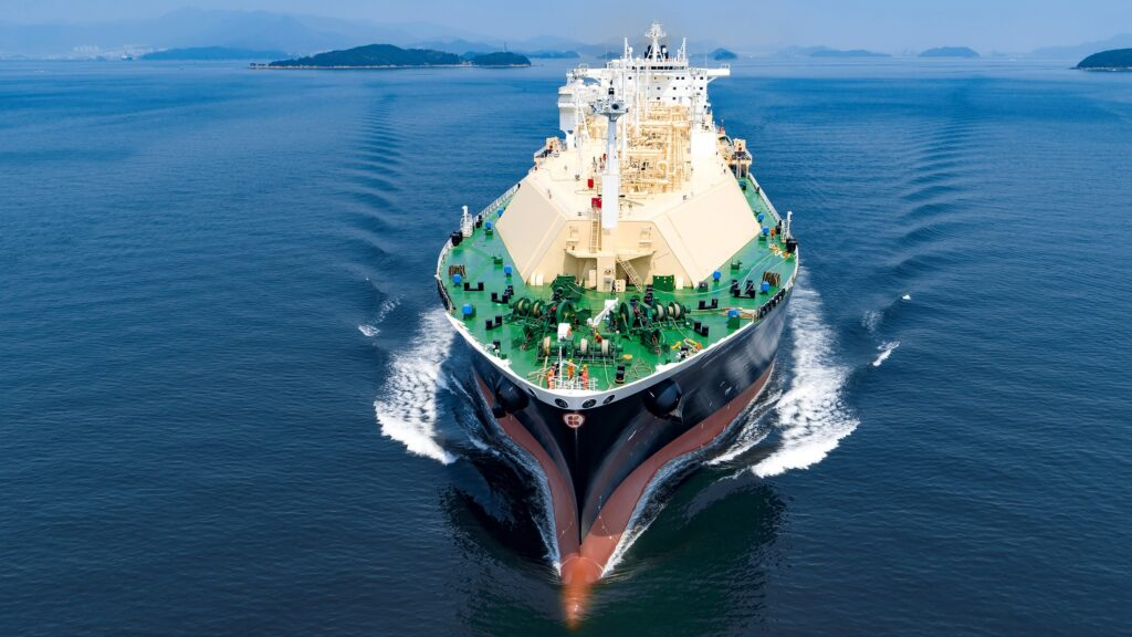 Pavilion and BP sign LNG supply deal for Singapore