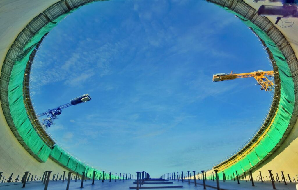 BGG holds LNG tank roof airlifting ceremony