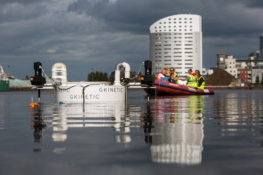 Illustration/The testing of GKinetic's scaled device in Limerick Docks (Courtesy of GKinetic Energy)