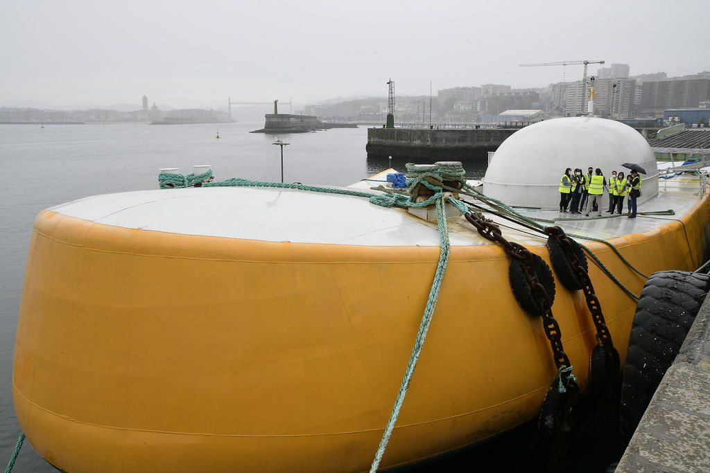 Photo showing Penguin device temporarily moored at the Bilbao Port (Courtesy of EVE)