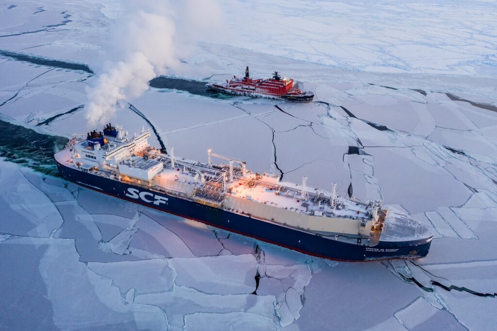 Russia to build its first batch of LNG-powered icebreakers