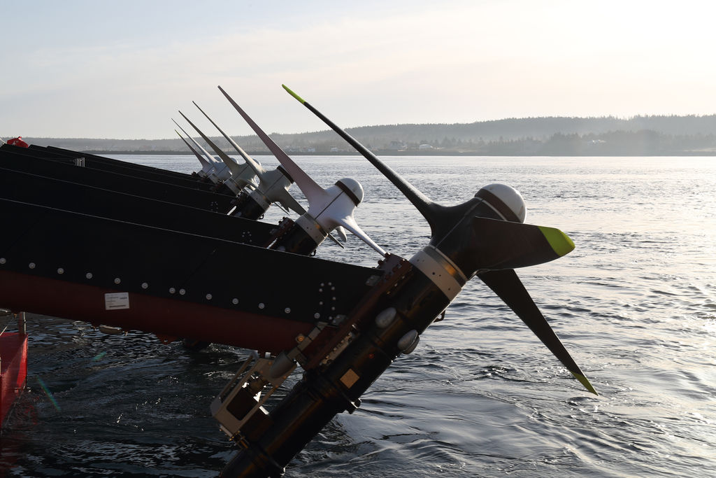 Photo showing Sustainable Marine's new 4-metre rotors featured on its 420kW PLAT-I 6.40 floating tidal energy platform (Courtesy of Sustainable Marine)