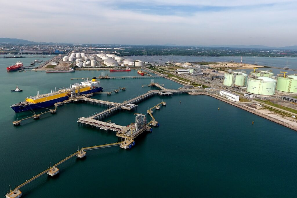 B.Grimm and PTT team up for Thailand LNG expansion