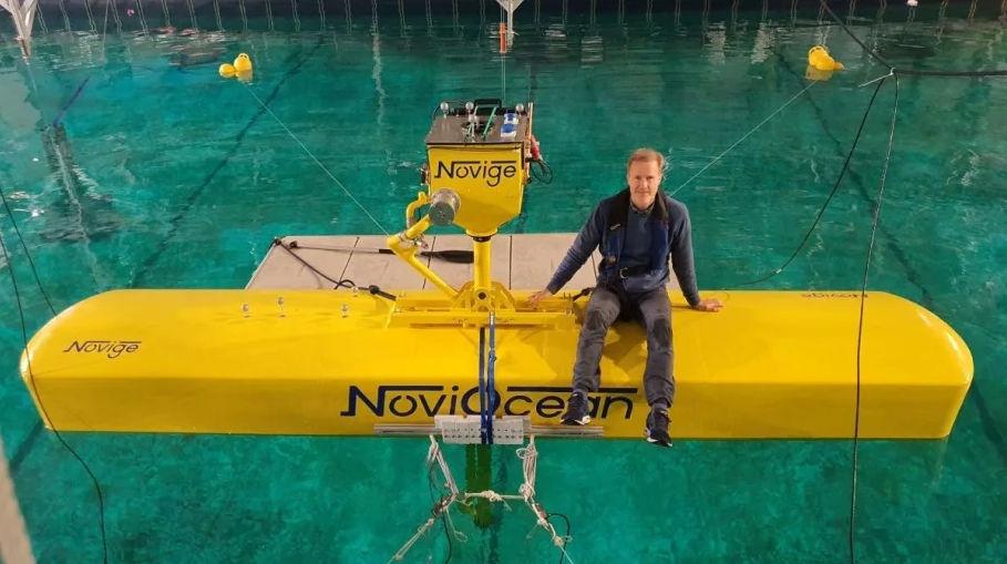 Photo showing Jan Skjoldhammer, founder and CEO of Novige, with NoviOcean test prototype (Courtesy of Novige)