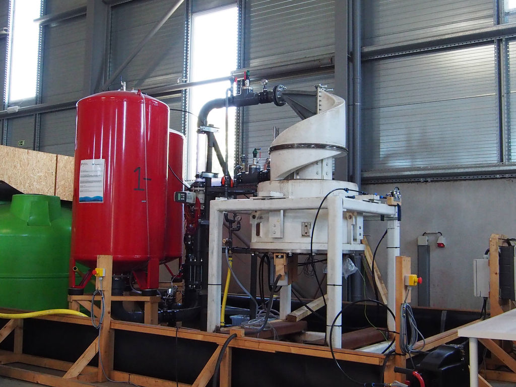 Photo showing the PTO test setup for Symphony Wave Power try-outs in Portugal (Courtesy of Teamwork Technology)