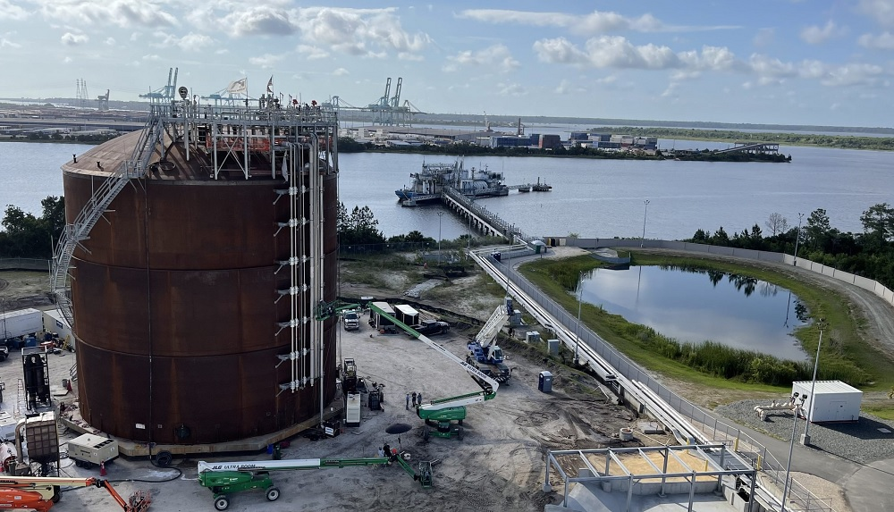 RLNG; JAX LNG and TOTE in renewable LNG bunkering first
